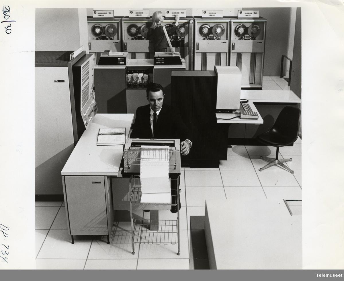 22.0 IBM - Modell 360 / 370