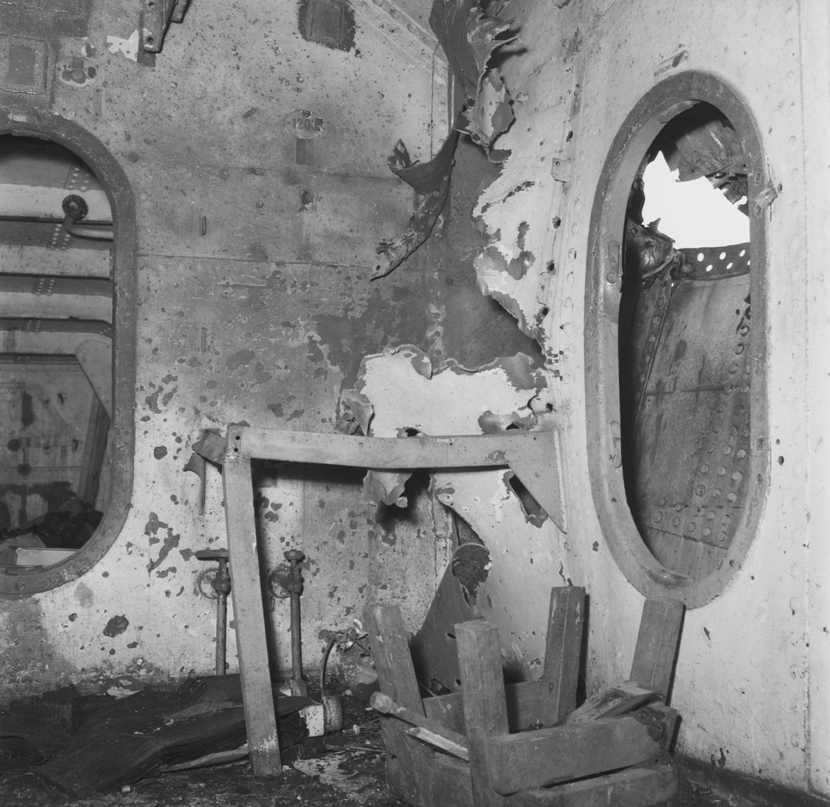 Fartyg: SVERIGE                        Bredd över allt 18,63 meter Längd över allt 120,0 meter  Rederi: Kungliga Flottan, Marinen Byggår: 1917 Varv: Götaverken, Göteborgs MV