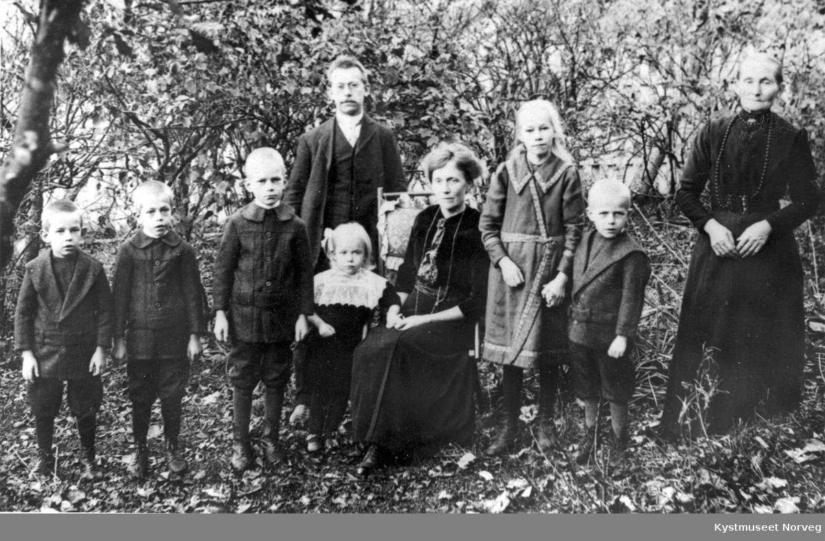 Thorvald Indbryn med familie