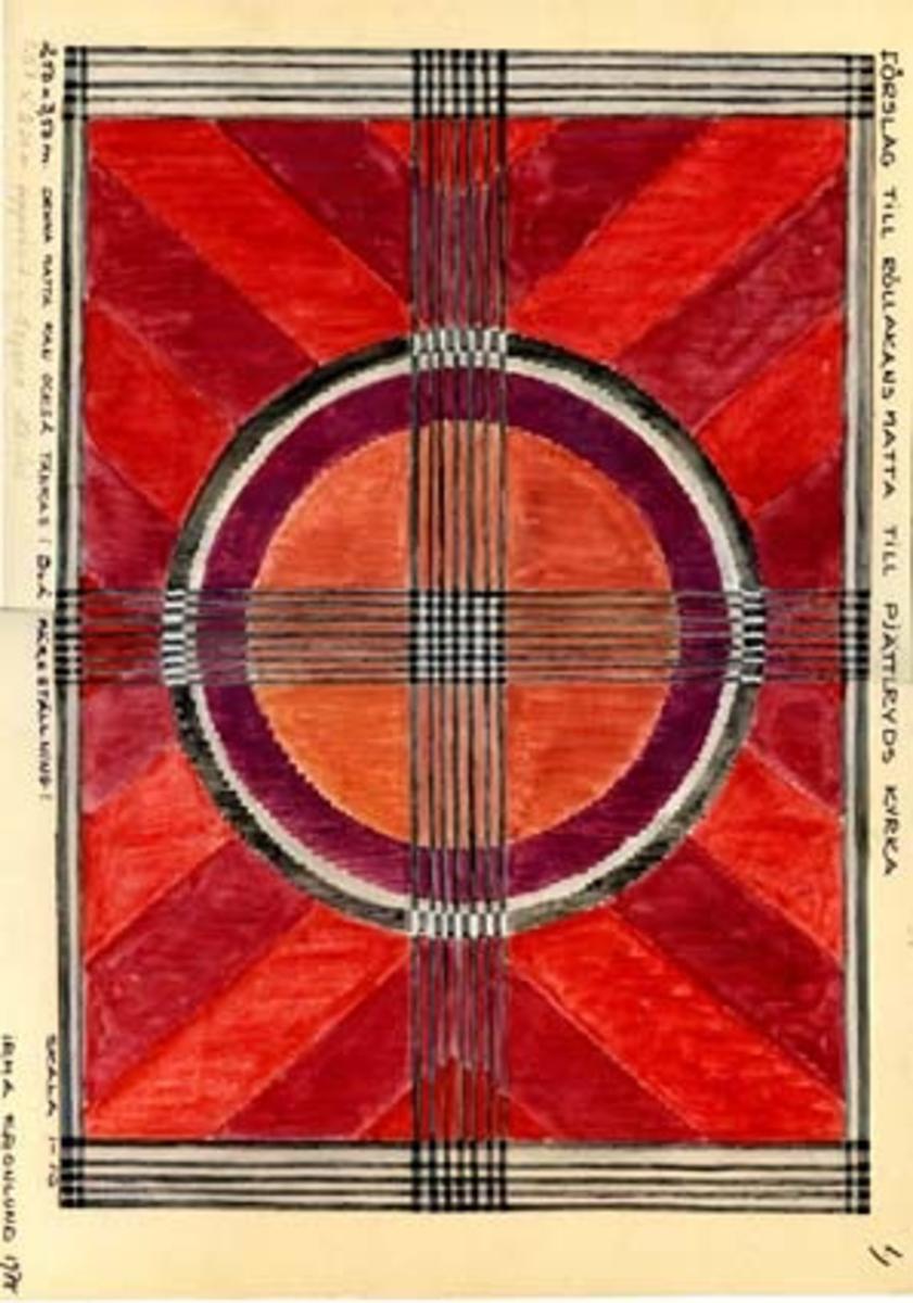 """Tre skisser med förslag till rölakansmatta till Pjätteryds kyrka. GHKL 4084:1 Förslag till rölakanmatta till Pjätteryds kyrka 2,50 x 3,50 m.Skisstorlek ca 25 x 35 cm, skala 1:10. Skissen är märkt nr 1. Följande anteckningar finns på skissen: """"Denna matta kan också tänkas i blå färgställning, 1,50 x 2,20 m uppvävd i denna storlek""""GHKL 4084:2 Förslag till rölakanmatta till Pjätteryds kyrka 2,50 x 3,50 m.Skisstorlek ca 25 x 35 cm, skala 1:10. Skissen är märkt nr 2. Följande anteckningar finns på skissen: """"Denna mönsterform från det gamla krucifixet i kyrkan. Denna matta kan också tänkas i blå färgställning"""".GHKL 4084:3Förslag till rölakanmatta till Pjätteryds kyrka 2,50 x 3,50 m.Skisstorlek ca 25 x 35 cm, skala 1:10. Skissen är märkt nr 4. Följande anteckningar finns på skissen: """"Denna mönsterform från det gamla krucifixet i kyrkan. Denna matta kan också tänkas i blå färgställning"""".BAKGRUNDHemslöjden i Kronobergs län är en ideell förening bildad 1990. Den ideella föreningen ersatte Kronobergs läns hemslöjdsförening bildad 1915.Kronobergs läns hemslöjdsförening hade butiksverksamhet och en vävateljé med anställda väverskor och formgivare där man vävde på beställning till offentliga miljöer, privatpersoner och till olika utställningar.Hemslöjden i Kronobergs län har idag ett arkiv med drygt 3000 föremål, mönster och skisser från verksamheten och från länet. 1950-talet var de stora beställningarnas tid och många skisser och mattor till kyrkorna kom till under detta årtionde."""