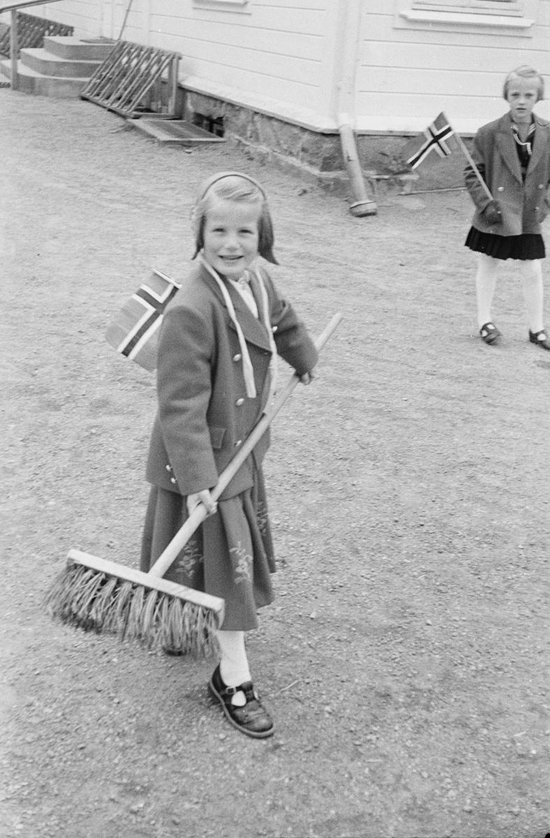 17. mai. Elverum.  1954.