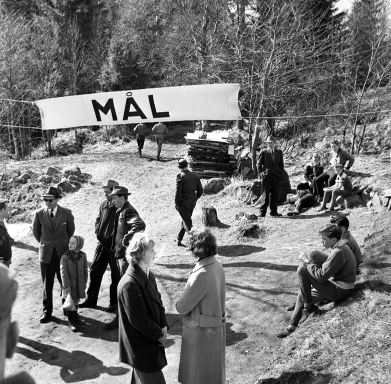 """Enligt notering: """"Terränglöpning i Fasseröd 17/4 -60""""."""