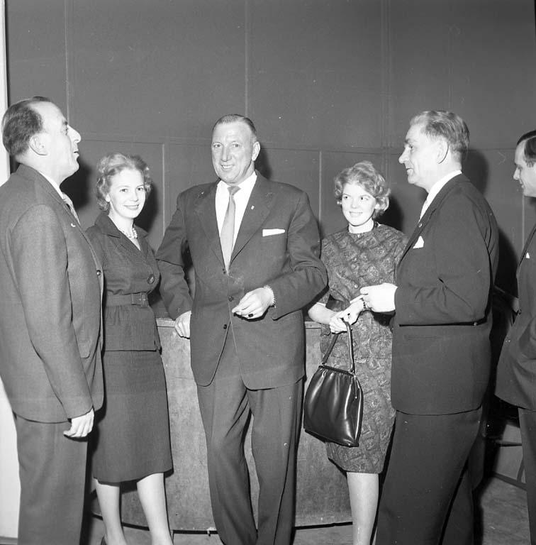 """Enligt notering: """"Kommunalanställda har årsfest i Kongresshallen 20/1 1961""""."""