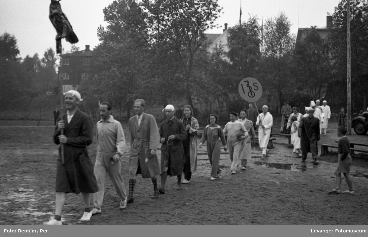 Barnas dag, Levanger,, fotball kamp mellom sykehuset og lærerskolen, innsamling av penger.