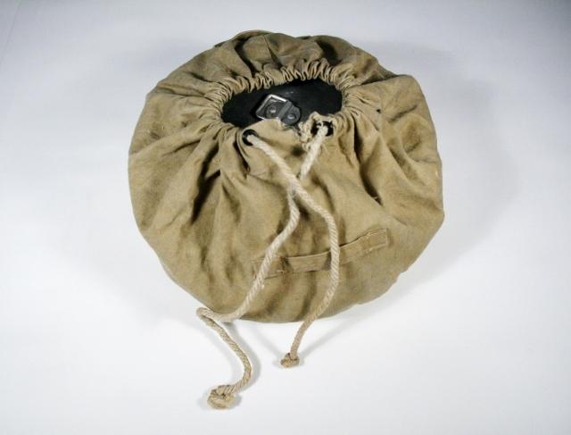 Sammenleggbar kjeler i stoffpose