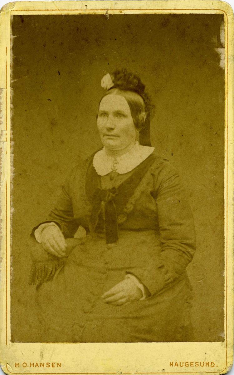 Portrett - Dame med hatt.
