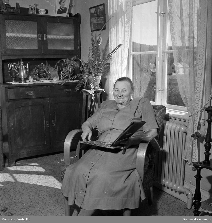 Fru Selma Dahlén, Nedansjö, 60 år gammal.