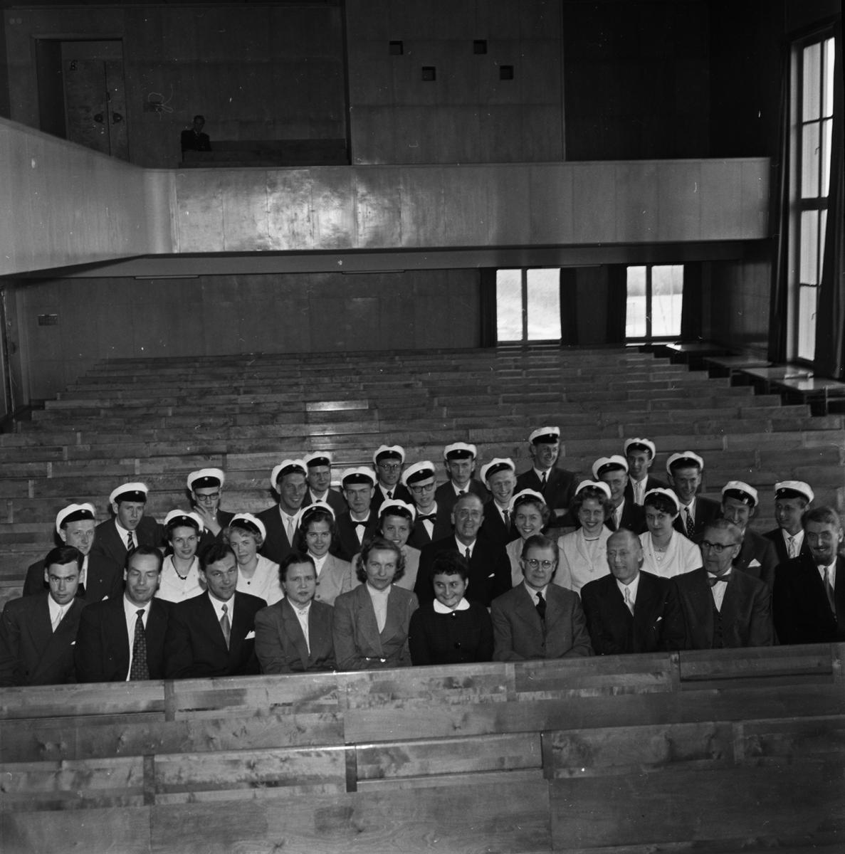 Praktiska mellanskolan - första studentexamen, Uppsala, 1957