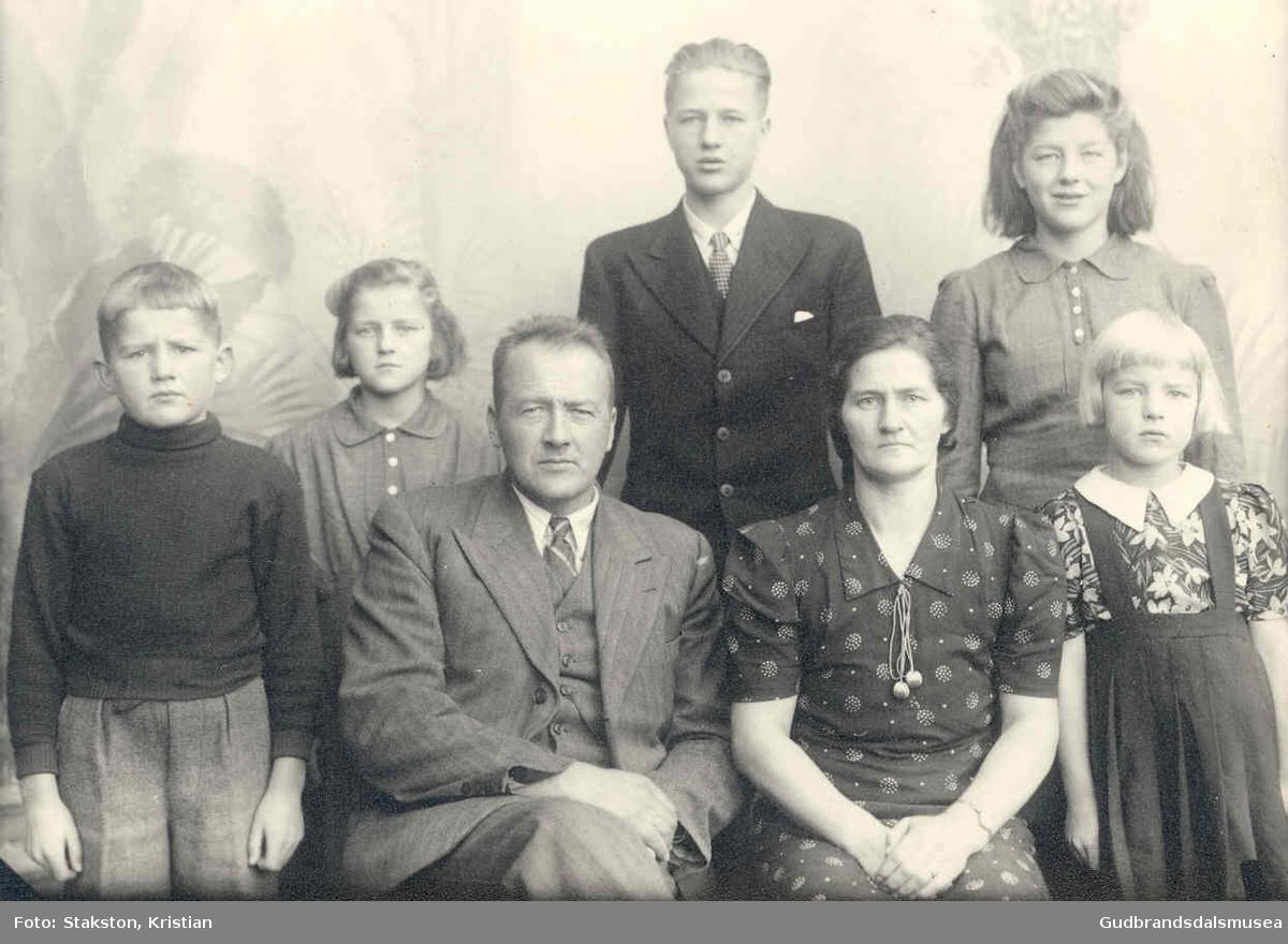 Jon Haugtredet (f. 1905) m.familie