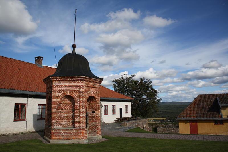 Brønnhuset, festningen (Foto/Photo)