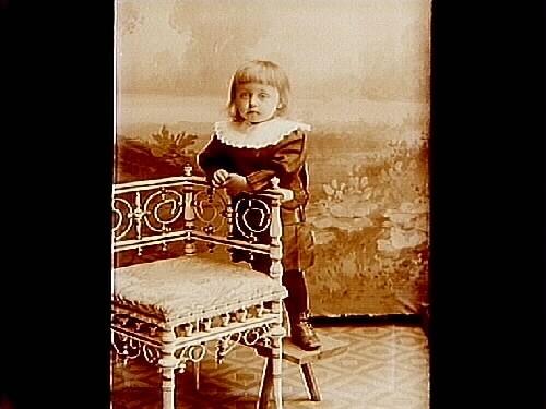 En liten flicka.Fru Anna Johansson