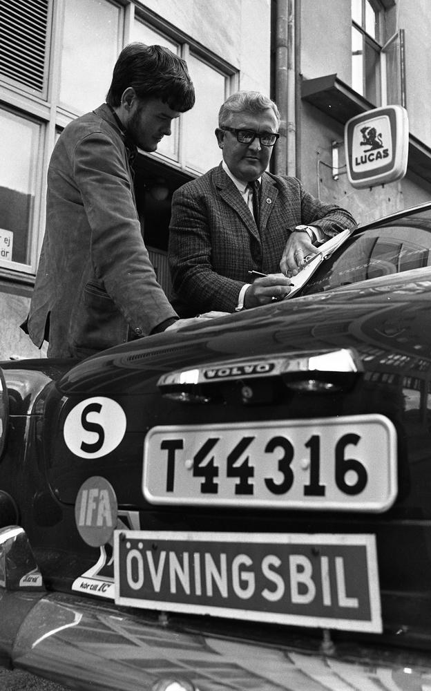 Asp provåker 6 september 1967Reinhold Haglund bilskolechef