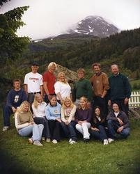 Avgangsklassen ved Hemsedal barne- og ungdomsskule i 2001. F