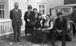 Magnhild Renbjør m flere fra turen til Oslo over Røros i 193