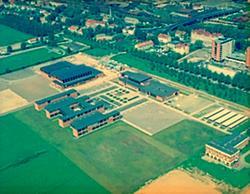 Flygfoto över Hallsberg, Alléskolan, m.m.
