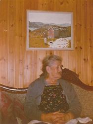 Ragna Tjåland, f Tjåland på besøk i hytta på Langholen