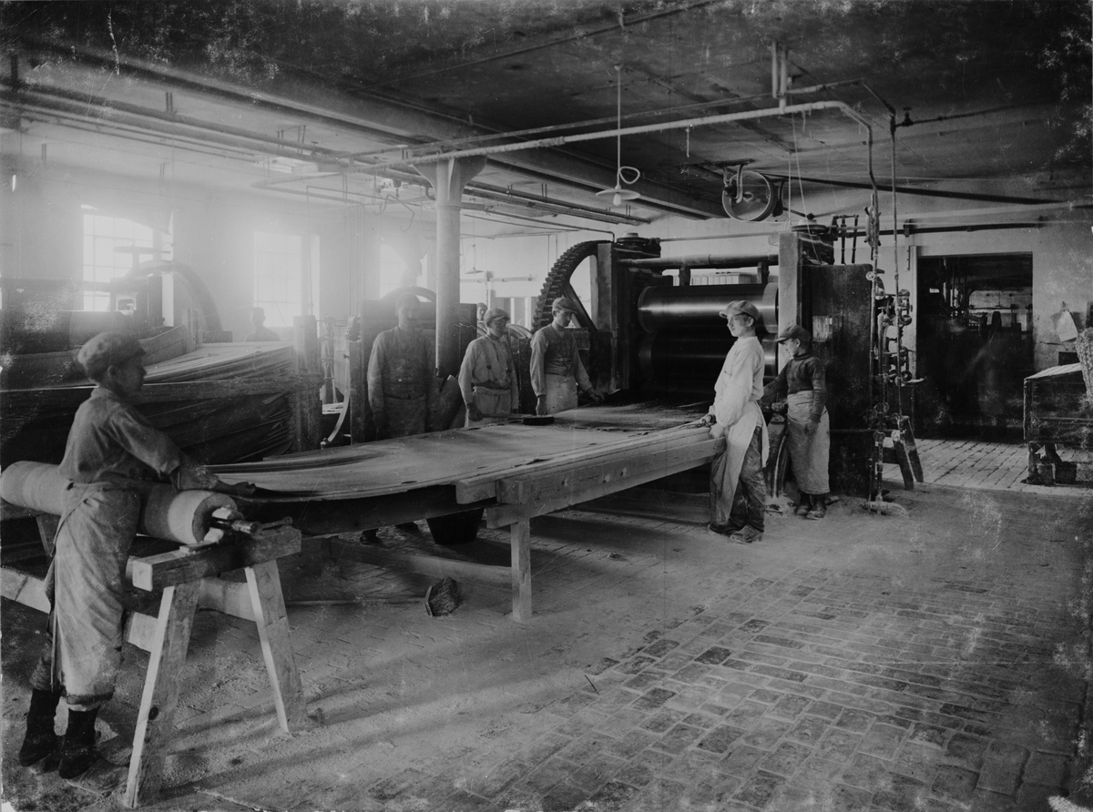 Ovandelskalander vid Helsingborgs Gummifabrik. Tidigt 1900-tal.