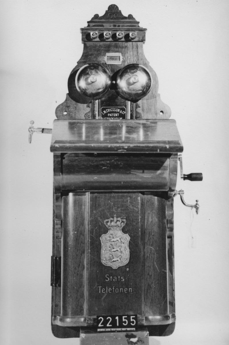 Väggtelefonapparat för danska statstelefonnätet på Färöarna, 1906.