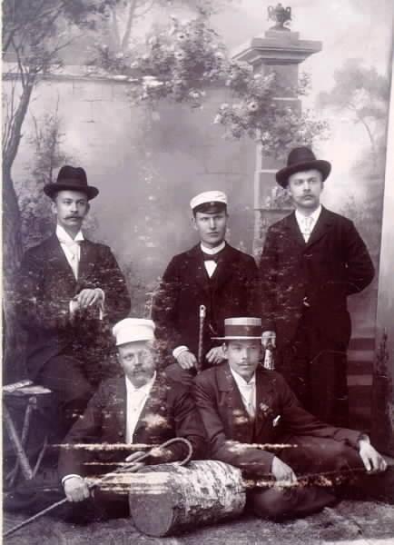 Några vänner på 1890-talet. Birger Lindstedt, Klingner, E.Vestlin, G. Lindblom, And. Karlén.