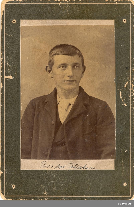 Theodor Tallaksen, portrett