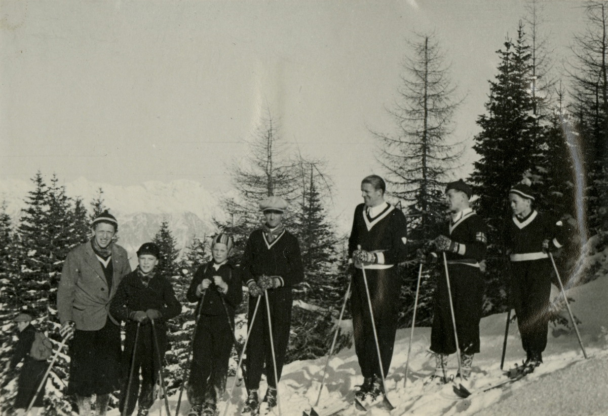 Young and mature Kongsberg skiers