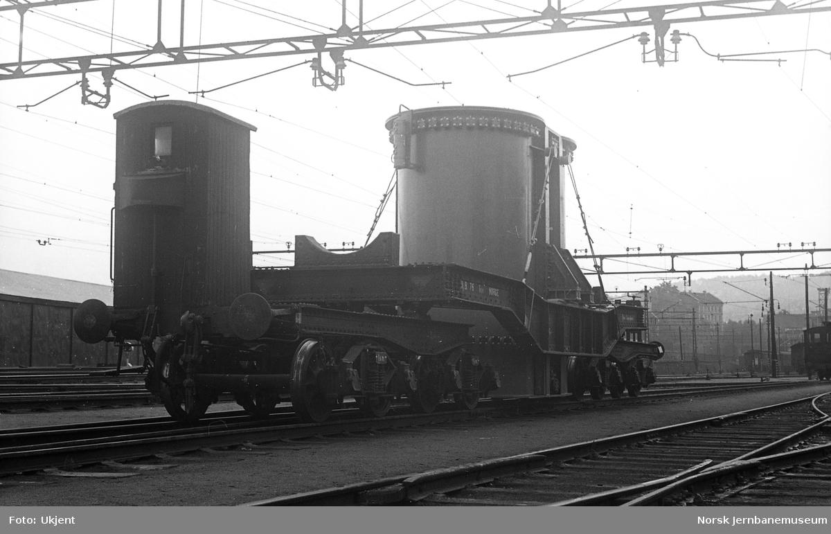 Rjukanbanens spesialvogn litra Tsfo nr. 76 med spesialtransport
