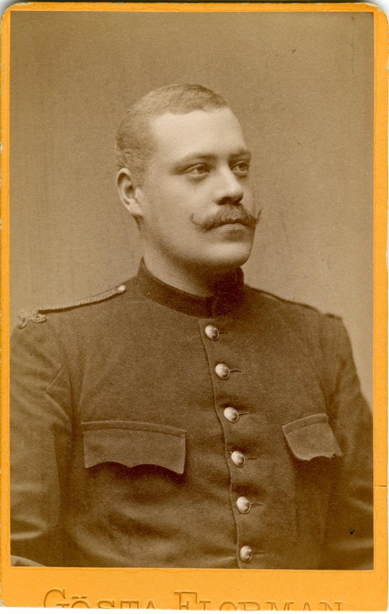 Porträtt av Lennart Olof Johan Hübner, underlöjtnant vid Gotlands nationalbevärning I 27.