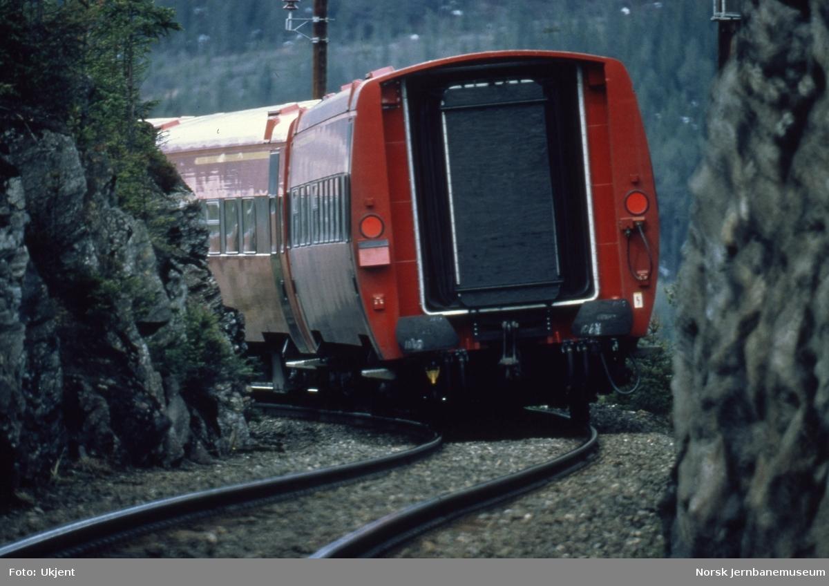 Personvogn litra B7, bakerst i tog