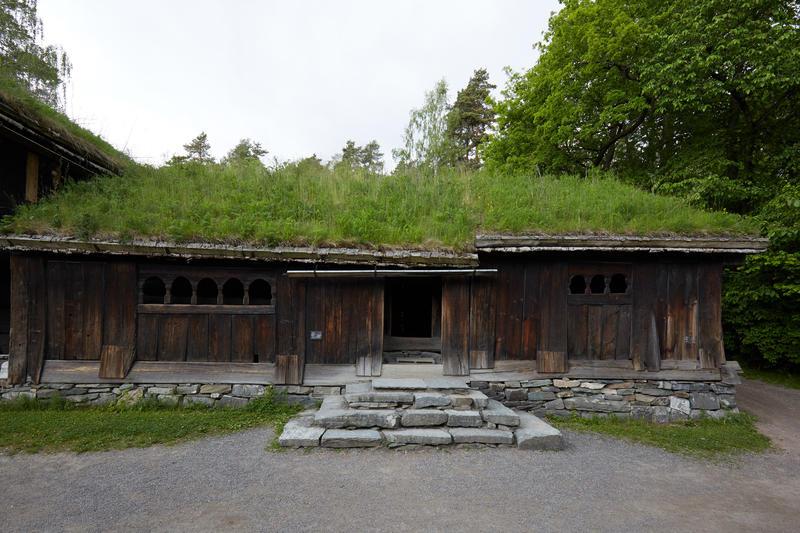 Stue fra Kjelleberg i Valle. Årestue og peisestue. (Foto/Photo)