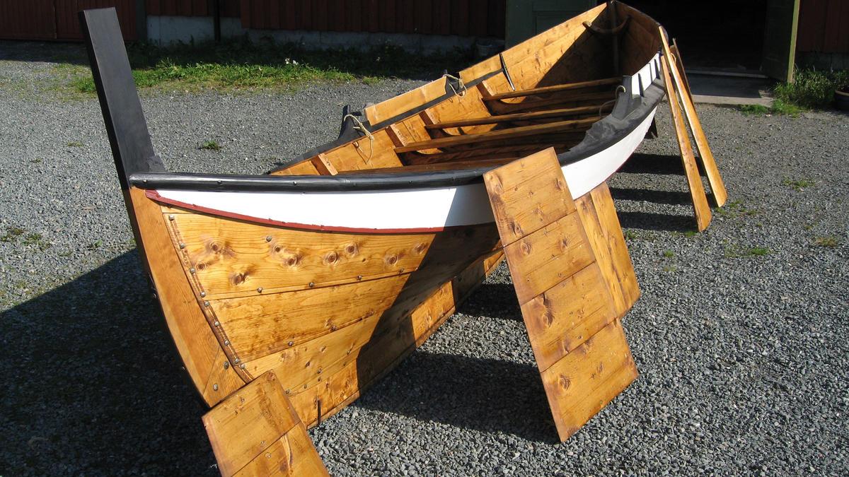 Åfjordsbåt. Færing, about 18 ft.