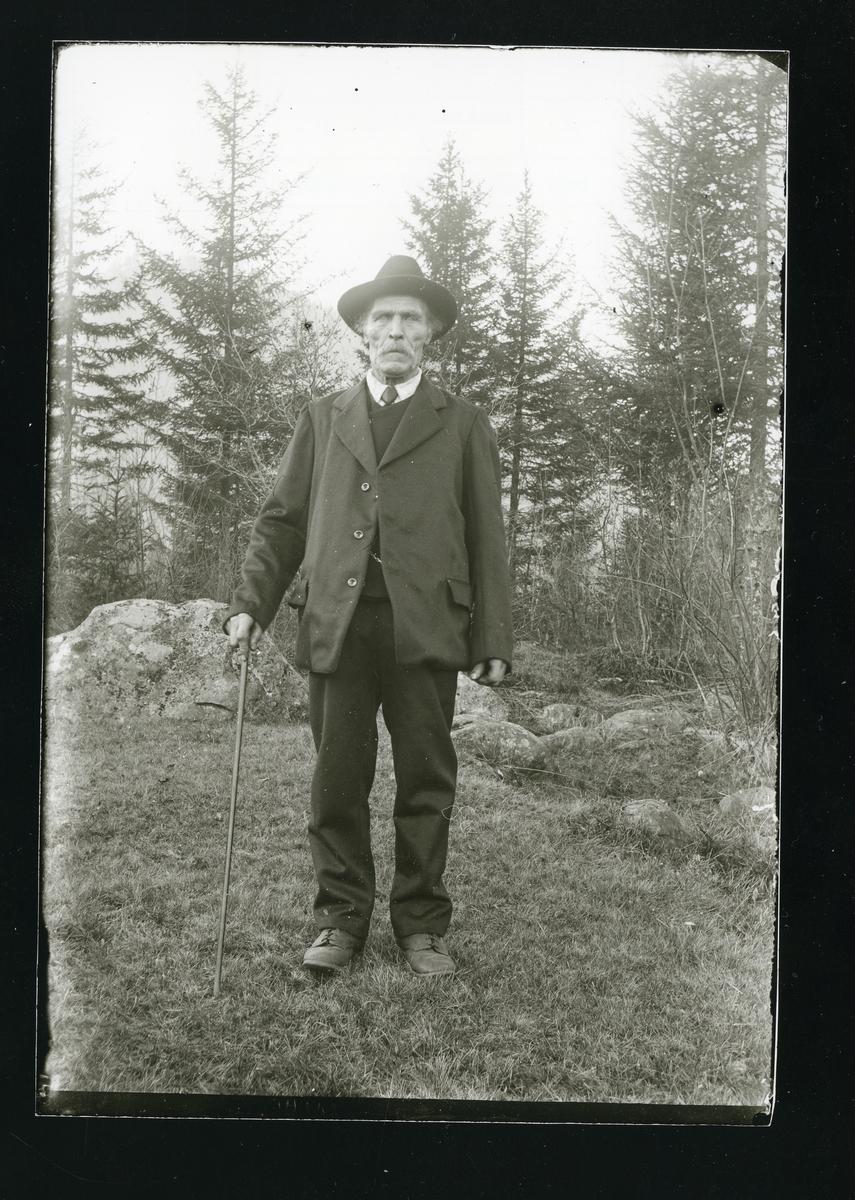 Portrett av Arne Bjørneskaret.