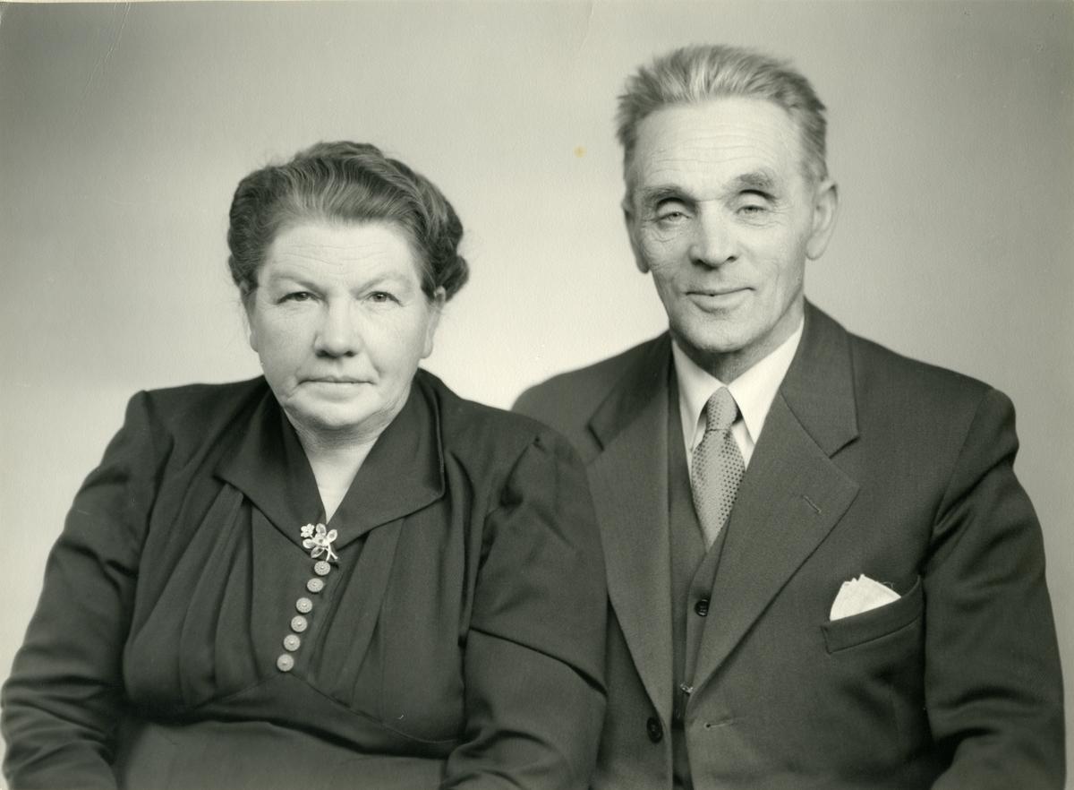 Portrett av Kari og Lars Flaten fra Hedalen.