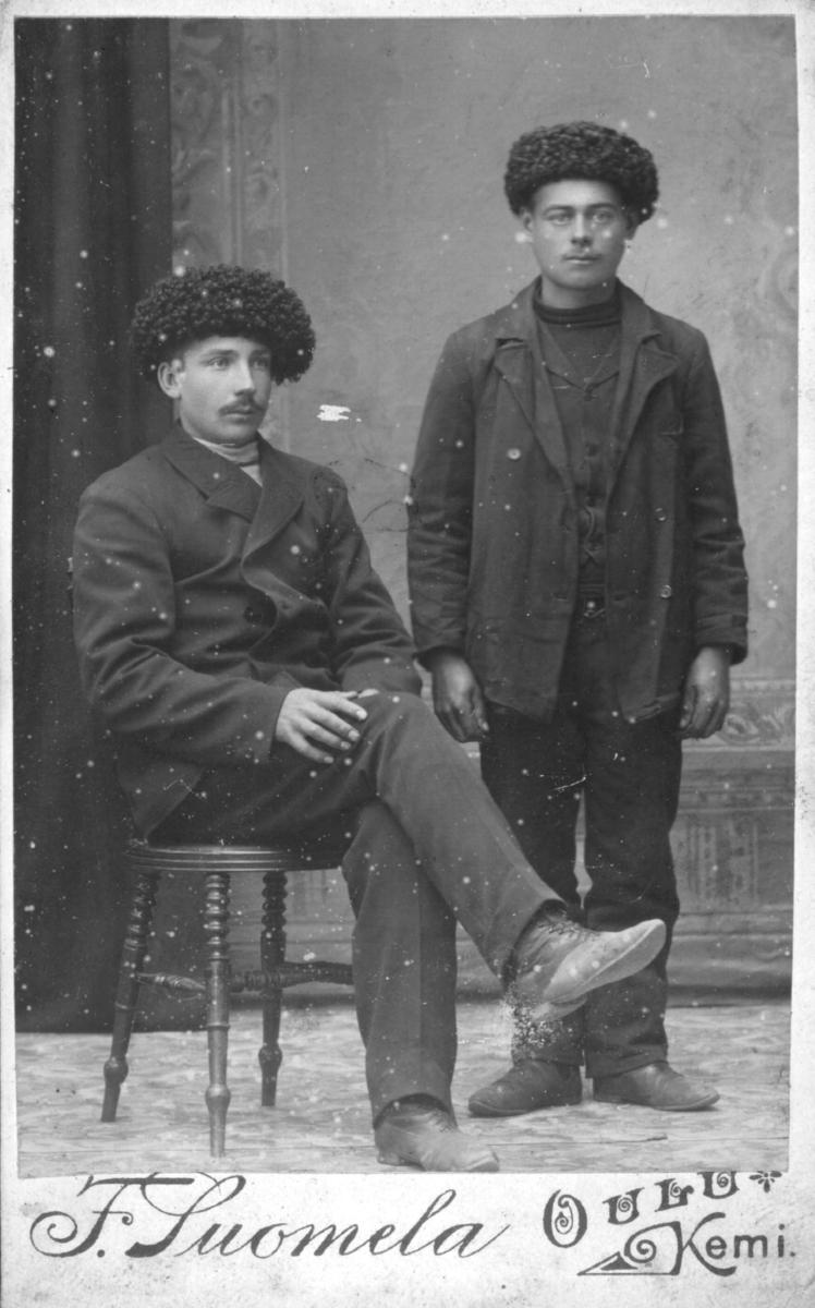 Visittkortportrett av to menn.