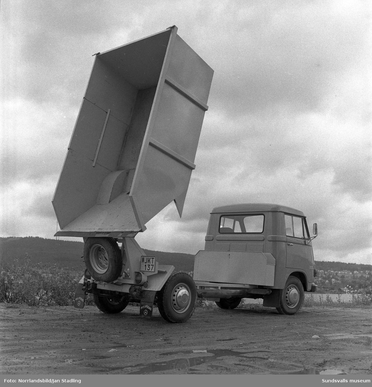 Mercedes-lastbil med tipp från Philipssons.