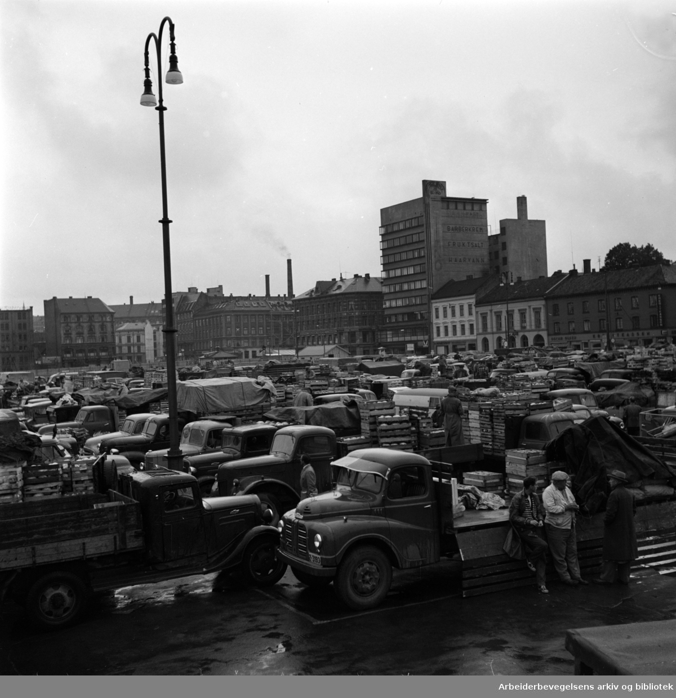 Grønlands Torg, september 1957.