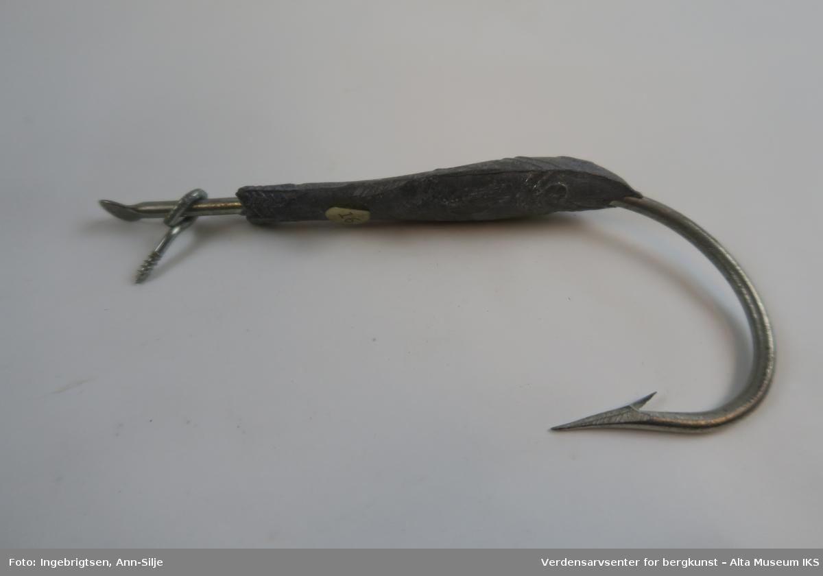 Jagerangel er en enkel krok med en tinnsild støpt rundt leggen.