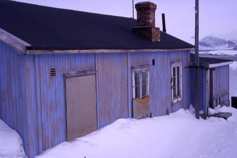Radiostasjon i Ny-Ålesund eksteriør 1