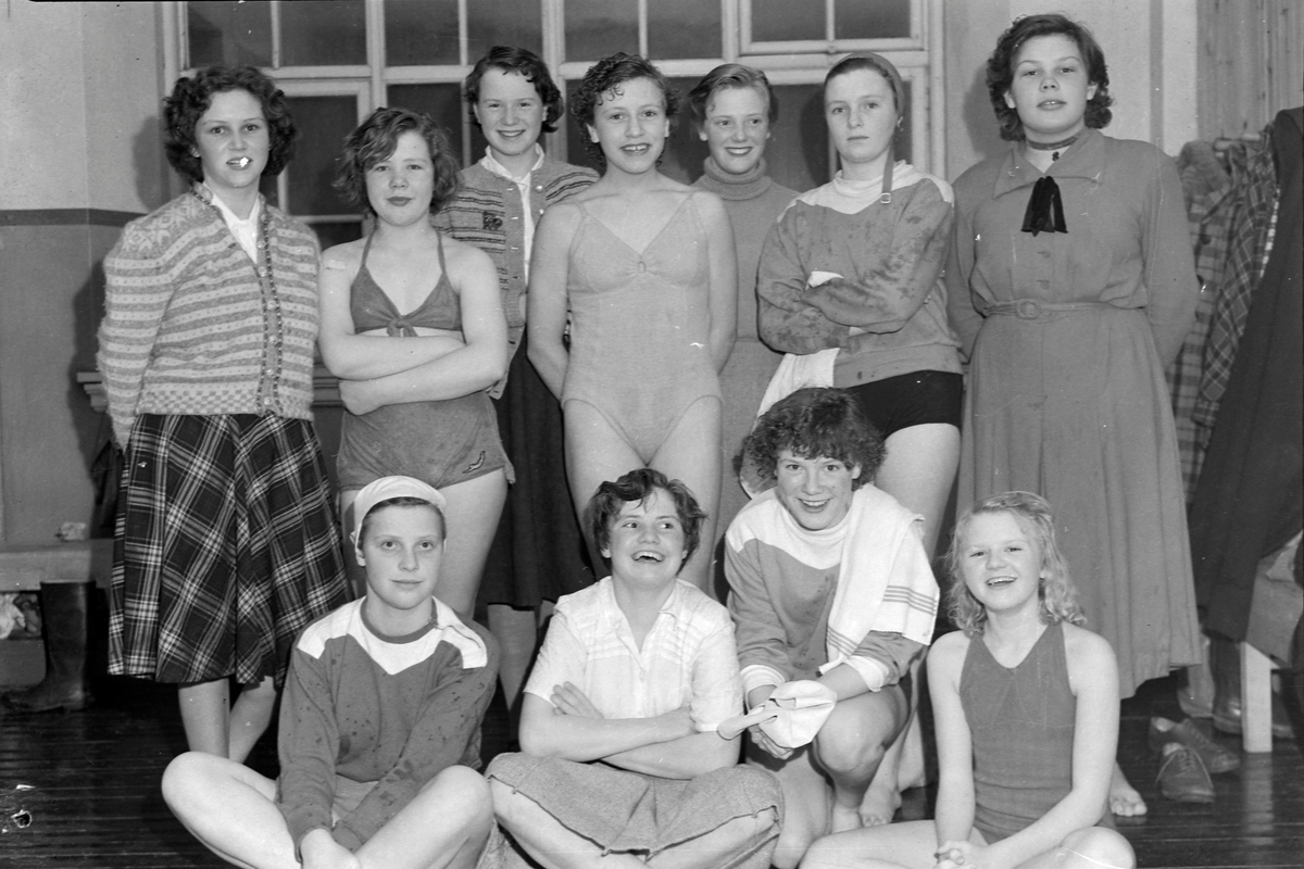Svømmestevne på Singsaker skole, 5.april 1952