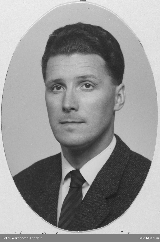 portrett, mann, ingeniør ved Oslo tekniske skole, brystbilde