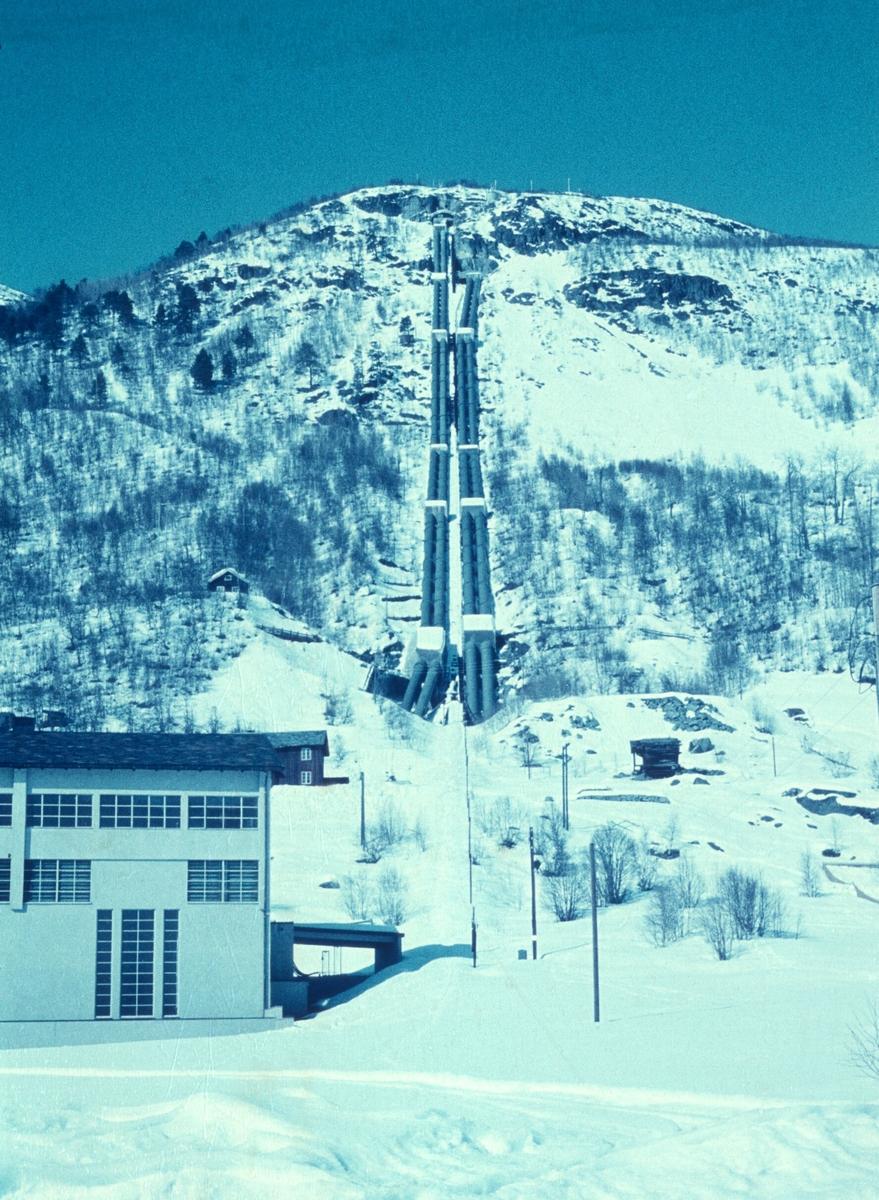 Røyrgata på Rud Kraftstsjon Hol 1. bilde er tatt av Thorbjørn Pedersen.