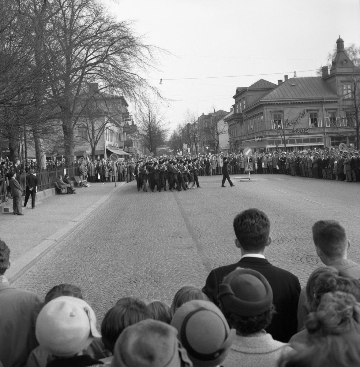 Studentfirande vid torget den 4 maj 1960.