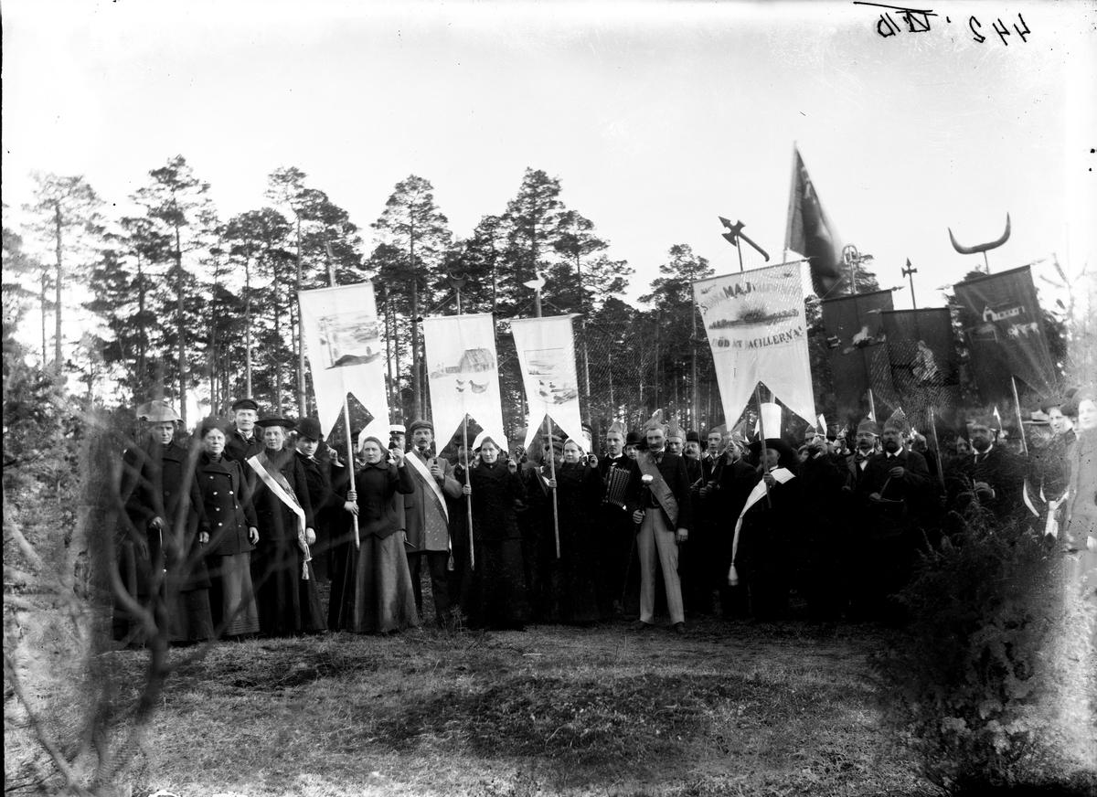 Gruppbild, demonstration. Fotograf Billberg.