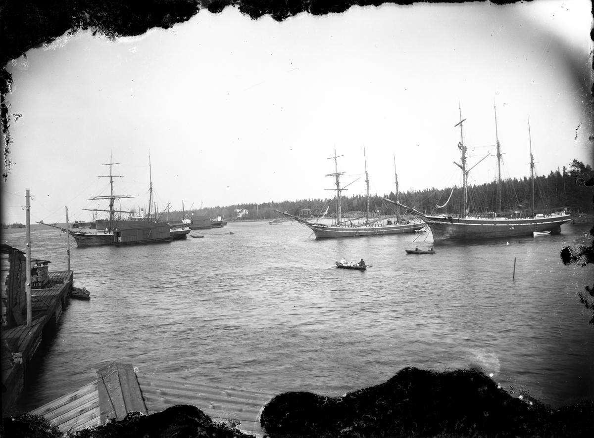 Båtar i hamnen, Norrsundet.