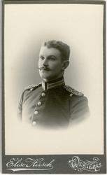 Porträtt av Sixten Knut Benjamin Axelsson Sparre, löjtnant v