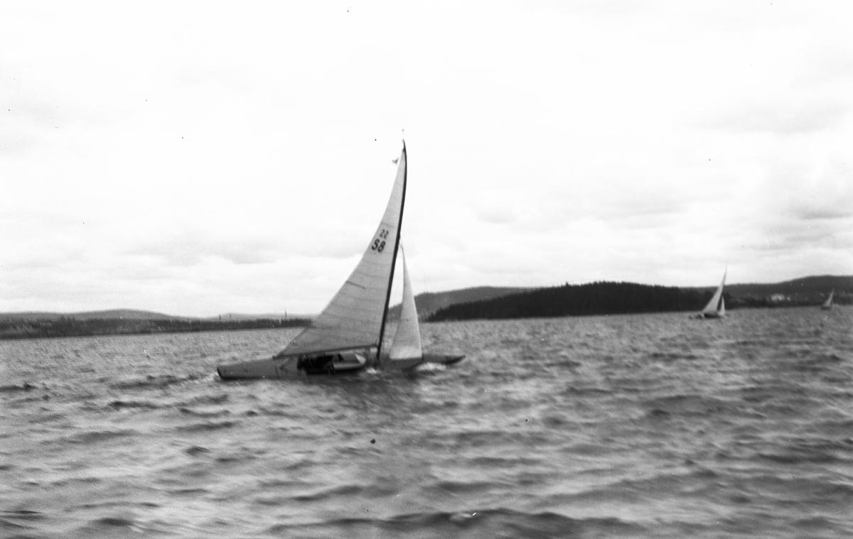 Gävle Segelsällskap. År 1925. Norrlandsregattan i Sundsvallsfjärden, bl.a. runt Alnön.