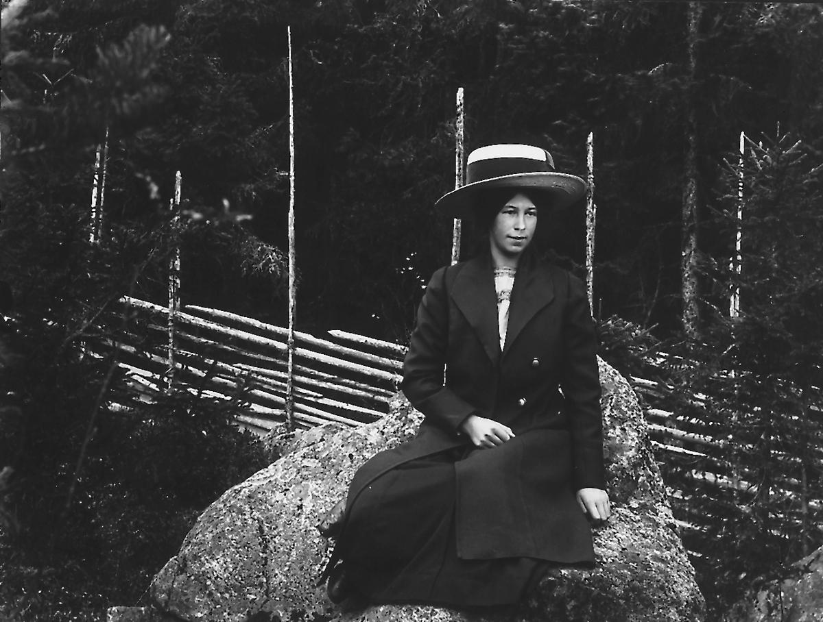 "Ester Lindberg, (""Berget""),  Östansjö."