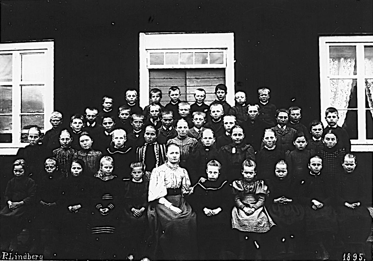 Foto 1895.