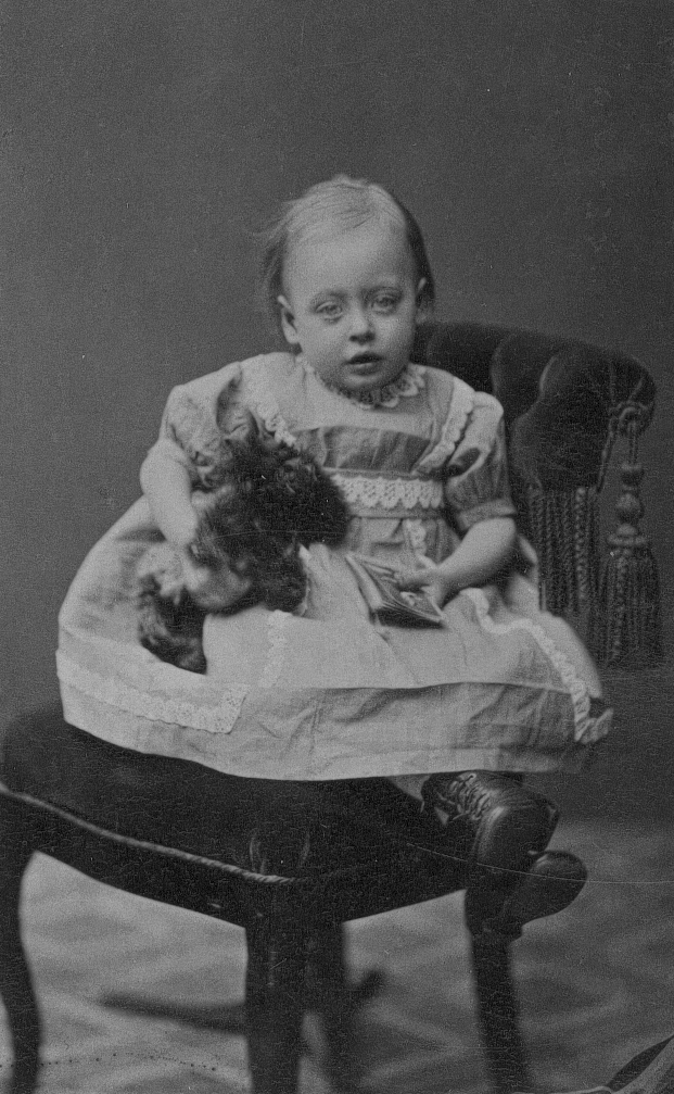 Ida Ebba Charlotta Berggrén, född 9/5 1872. Foto 26/4 1875.