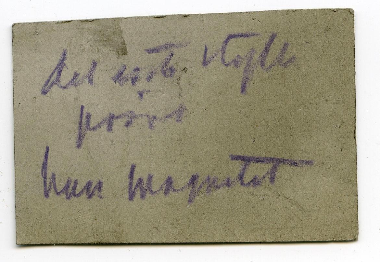To prøver, begge med etikett: No 50  Etikett i eske: Gullaksrud jerngrube nær Kongsberg jernbanelinie. 1880 Indsamlet for den geol. unders. af Hagen