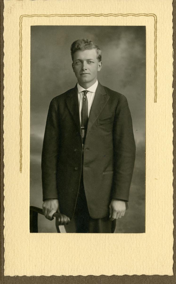 Olaf Sandvold.
